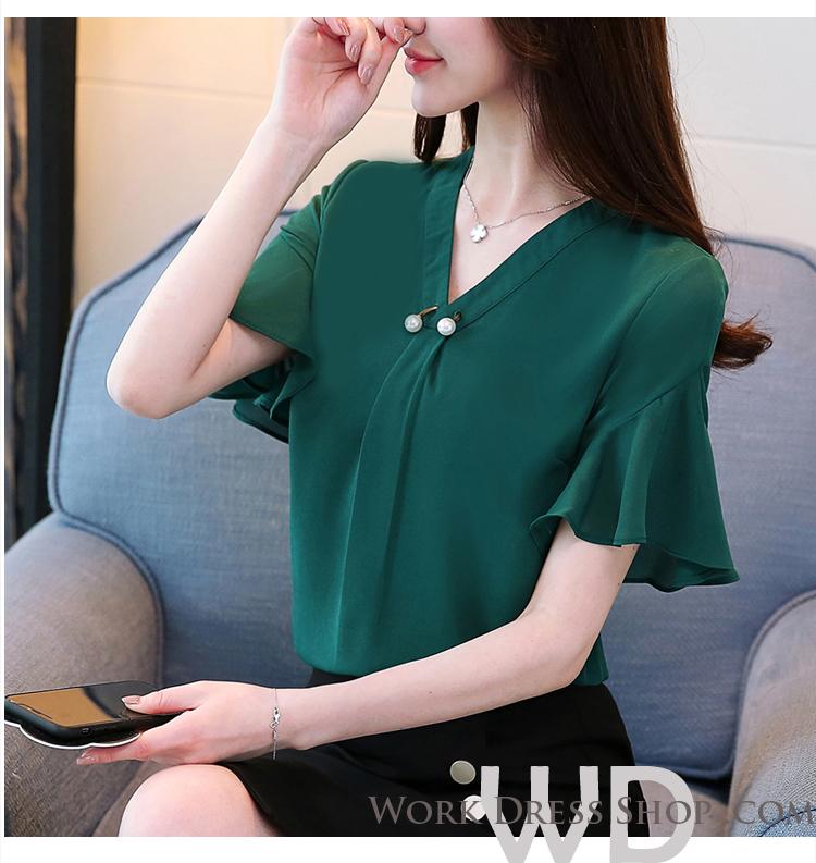 Preorder เสื้อทำงาน สีเขียว คอวีแต่งมุกช่วงอก แขนระบาย