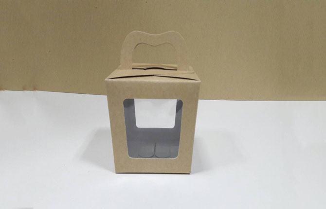 กล่องคุ๊กกี้หูหิ้วแบบหน้าต่าง 2 ด้าน 9x9x10ซม.กล่องขนม กล่องคัพเค้ก กล่องเค้ก กล่องเบเกอรี่ คราฟท์หน้าขาวหลังน้ำตาล