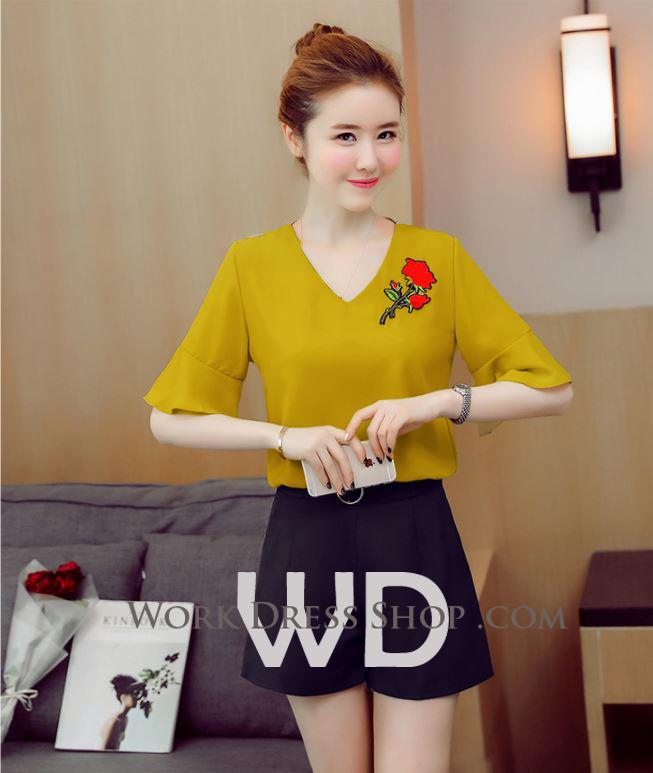 Preorder เสื้อทำงาน สีเหลืองขมิ้น คอวี แขนระบาย อกเสื้อแต่งดอกกุหลาบสวยงาม