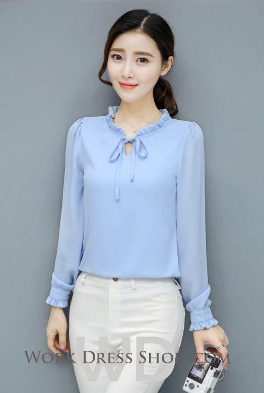 Preorder เสื้อทำงาน สีฟ้า ผูกโบว์หน้า เรียบหรู ช่วงคอและแขนแต่งระบายน่ารัก เนื้อผ้าระบายความอากาศได้ดี