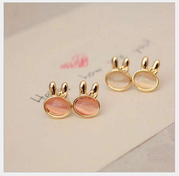 พร้อมส่ง ตุ้มหู กระต่ายน้อยน่ารัก มีให้เลือกสองสี Pink