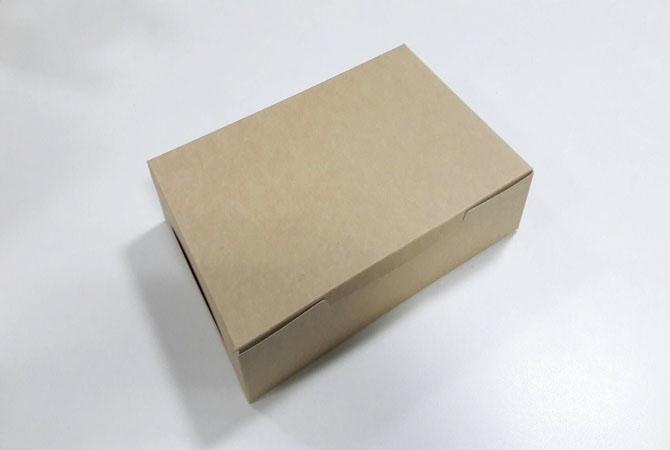 กล่องไม่มีหน้าต่าง (ฝาทึบ) 22.0x15.0x5.0ซม.กล่องเค้ก กล่องคัพเค้ก กล่องบราวนี่ กล่องชิฟฟ่อน กล่องช้อคโกแล็ต กล่องคุ๊กกี้ กล่องขนม สีคราฟท์หน้าขาวหลังน้ำตาล
