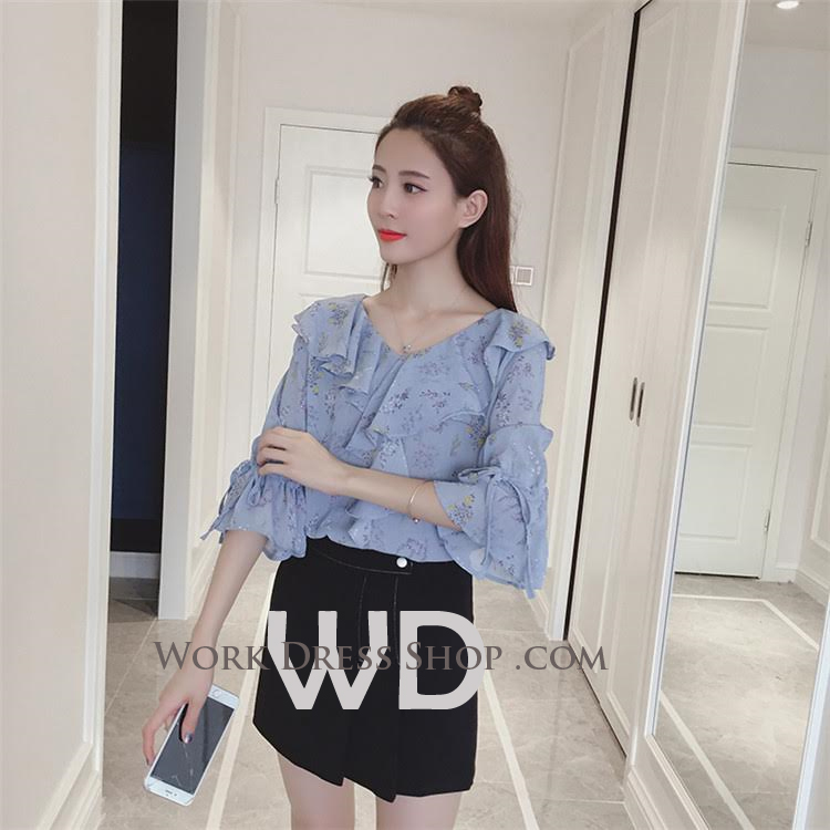 Preorder เสื้อทำงาน สีฟ้า ช่วงคอและแขนแต่งระบายน่ารัก เนื้อผ้าระบายความอากาศได้ดี