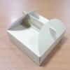 กล่องหูหิ้ว กล่องบราวนี่ กล่องคุ๊กกี้ กล่องชิฟฟ่อน กล่องเค้ก กล่องขนม ลายคราฟท์ กว้าง 17.5 x ยาว 17.5 x สูง 5.0 ซม.