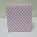 กล่องสแน็ค กล่องอาหารว่าง ชมพูลายสก๊อต (100 ใบ/แพ็ค) กว้าง12.7 x ยาว12.7 x สูง 6.5 ซม.