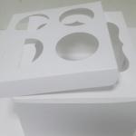 กล่องคัพเค้ก กล่องคัพเค้ก 4 ชิ้น (พร้อมฐานคัพเค้ก) สีขาว