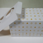กล่องคัพเค้ก 2 ชิ้น พร้อมฐานรองคัพเค้กแบบ 2 ช่อง