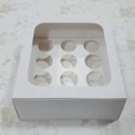 กล่องคัพเค้ก กล่องคัพเค้ก 12 ชิ้น (พร้อมฐานคัพเค้ก) สีขาว