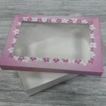 กล่องอาหารแบบไม่เคลือบกันซึม สีขาว ฝาครอบลายชมพู size XL 23.4x16.3x6.5ซม.ราคา 285 บาท (20ใบ)