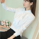 Preorder เสื้อทำงาน สีขาว คอปกช่วงอกแต่งระบายสวยเก๋ แขนยาว เนื้อผ้าระบายอากาศได้ดี