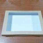 กล่องบราวนี่ กล่องชิฟฟ่อน 26.0x20.5x5.0 ซม.กล่องขนมเปี๊ยะ กล่องพาย กล่องช็อกโกแลต ลายคราฟท์ (220 บาทต่อ 20 ใบ)