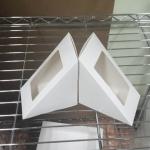 กล่องแซนด์วิช สีขาว ไซส์จัมโบ้ 7.5x12.2x12.2 ซม.ราคา 270 บาท(40ใบ)