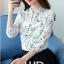 Preorder เสื้อทำงาน สีขาว คอจีนแขนยาว พิมพ์ลายดอกไม้สวยหวาน เนื้อผ้าระบายอากาศได้ดี thumbnail 2
