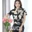 Preorder เสื้อทำงาน คอจีน สีดำ ผ้าพิมพ์ลายดอก เนื้อผ้าระบายอากาศได้ดี แขนสั้น thumbnail 1