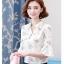 Preorder เสื้อทำงาน สี Apricot คอจีน แขนแต่งระบาย พิมพ์ลายดอกไม้สวยหวาน เนื้อผ้าระบายอากาศได้ดี thumbnail 4