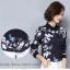 Preorder เสื้อทำงาน สีดำ คอปก พิมพ์ลายดอกไม้ thumbnail 5