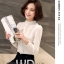 Preorder เสื้อทำงาน สีขาว คอตั้ง แขนแต่งระบายสวย จับจีบด้านหน้าสวยงาม thumbnail 5