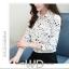 Pre-order เสื้อทำงาน สีขาว คอปก พิมพ์ลายดาวสวยสไตล์เกาหลี thumbnail 2
