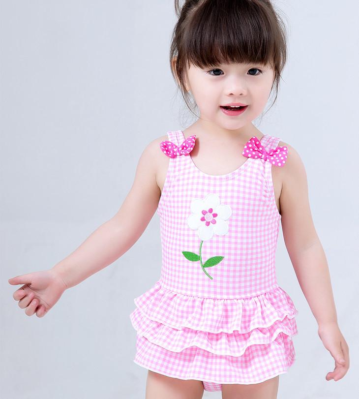 ชุดว่ายน้ำเด็กผู้หญิง สีชมพู ลายดอกไม้
