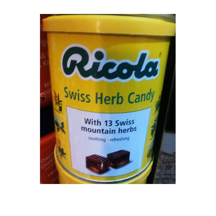 ลูกอมสมุนไพรริโคล่า (Ricola Swiss Herb Candy)