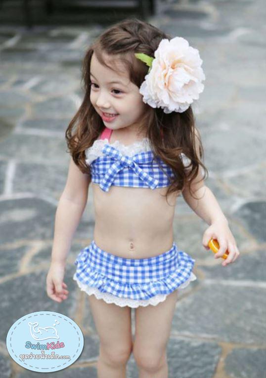 ชุุดว่ายน้ำเด็กผู้หญิงทูพีชสีฟ้าขาว พร้อมหมวก