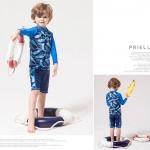 ชุดว่ายน้ำเด็กชายสีน้ำเงิน กางเกงขาสั้น เสื้อแขนยาว ลายปลา