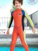 ชุดว่ายน้ำเด็กควบคุมอุณหภูมิ เป็นชุด wetsuit เหมาะกับการใส่ว่ายน้ำหรือดำน้ำ ผลิตจากผ้า Neoprene หนา 2.5 mm. ป้องกันความหนาว / ป้องกันแสงแดด UPF 50+ wetsuit แขนยาวขายาว ซิปหลัง สวมใส่ง่าย (มีเชือกดึงซิป) **