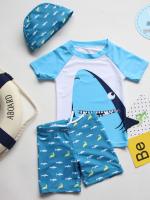ชุดว่ายน้ำเด็กชายแขนสั้นขาสั้น ป้องกัน UV พร้อมหมวก ลายปลาฉลาม กางเกงมีเชือกผูกเอว