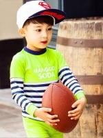 ชุดว่ายน้ำเด็กชาย เสื้อแขนยาวสีเขียวสะท้อนแสง ลายทางน้ำเงิน-ขาว กางเกงขาสั้น ลาย Manggo Soda